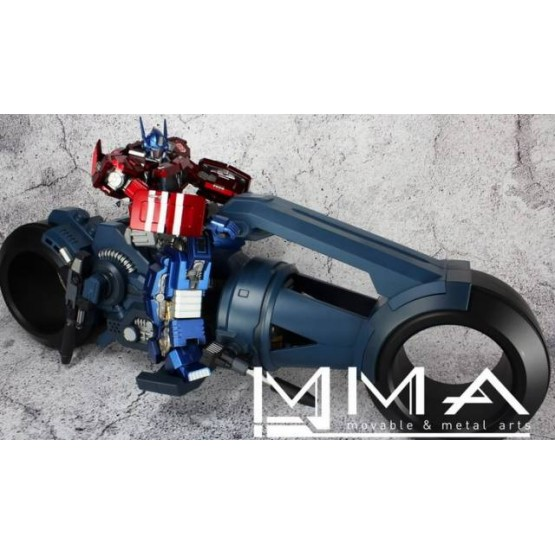 MMA-01 IDW Slaughter Laird and Battlebike