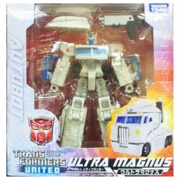 TakaraTomy  Transformers Asia Exclusive Henkei Ultra Magnus